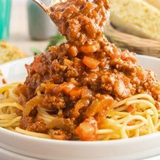 spaghetti bolognese - in a spoon