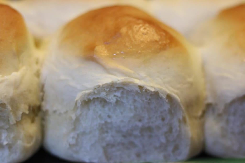 Hot Fluffy 30 Minute Dinner Rolls4