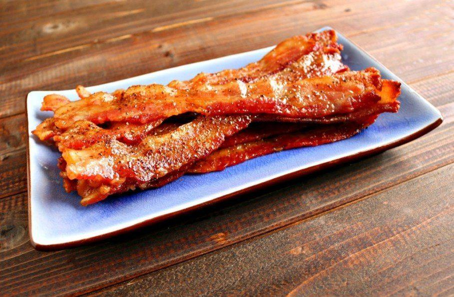 oven baked bacon peppered maple - on platter on angle_zpssvlg4ajp