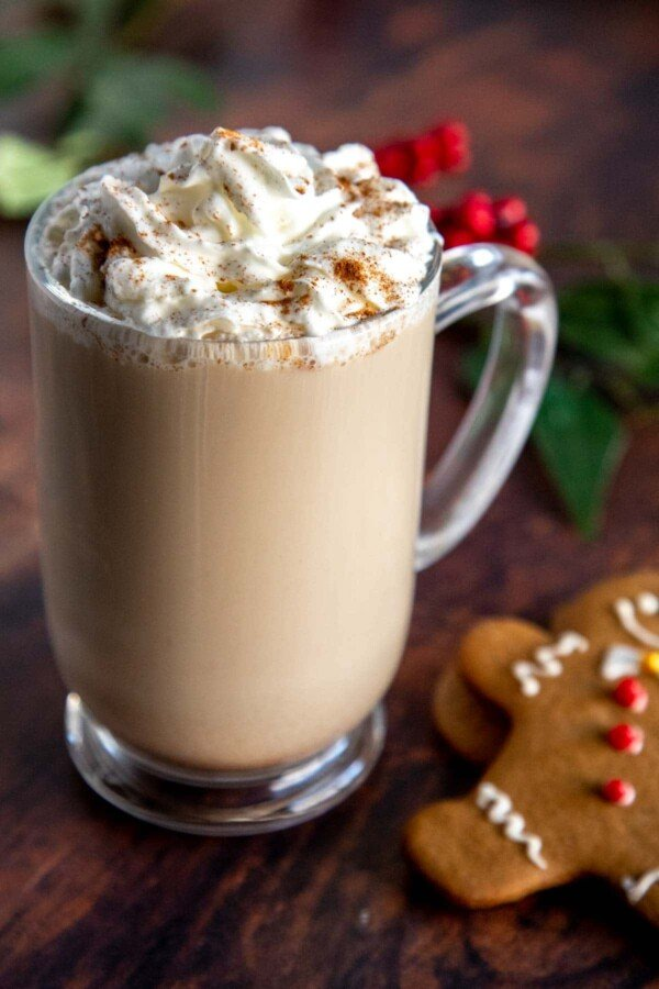 gingerbread latte with gingerbread man