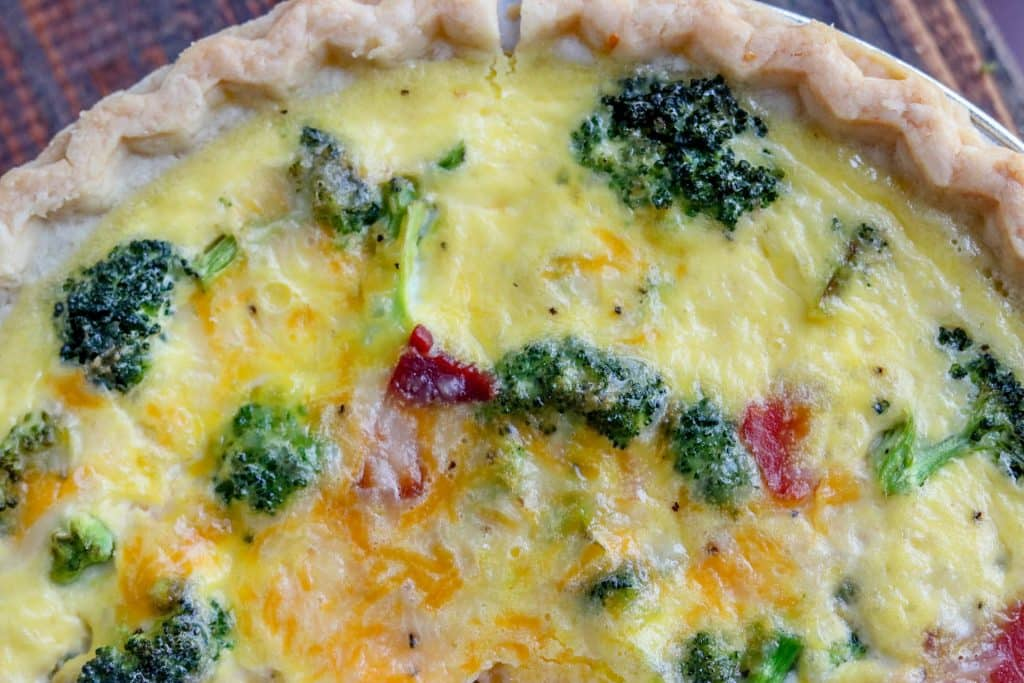 A deliciously easy, totally cheesy and filling quiche, made in about 30 minutes, this broccoli quiche is great for making ahead!