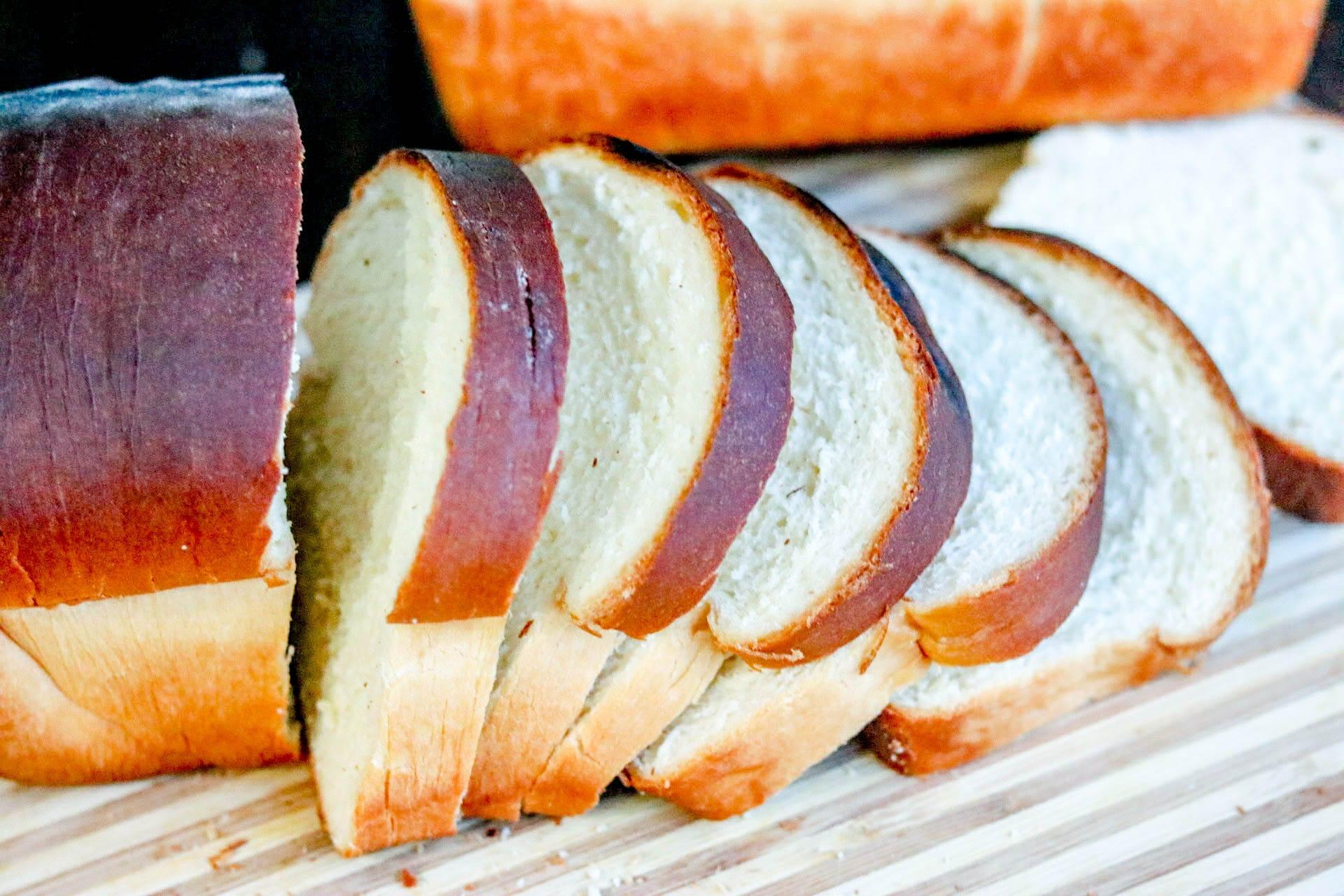 buttermilk sandwich bread cut into slices