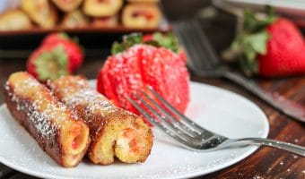 Strawberry Cheesecake French Toast Roll Ups