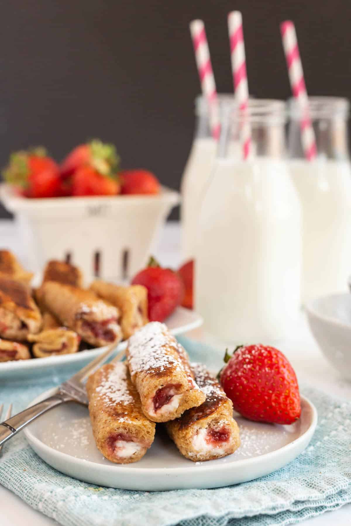 french toast rolls ups with strawberries