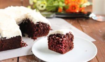 Easy Chocolate Cake Recipe (with Vanilla Buttercream)