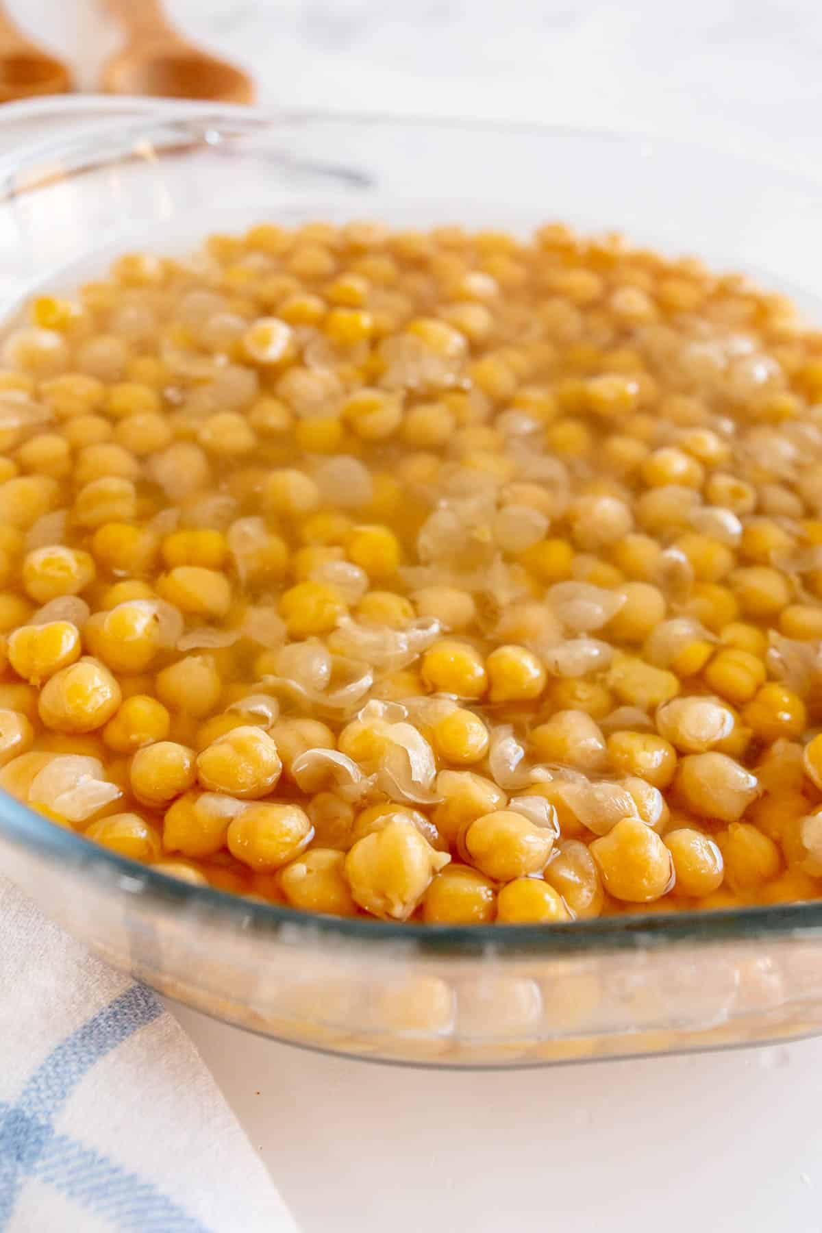 bowl of shelled chickpeas